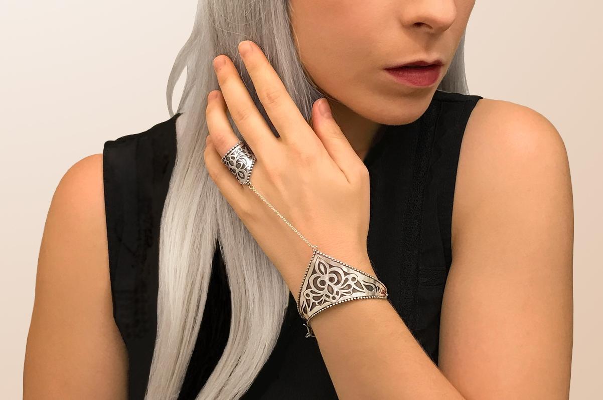 Elisa Melegari Custom Handmade Sterling Silver Ring Chain Lace Bracelet