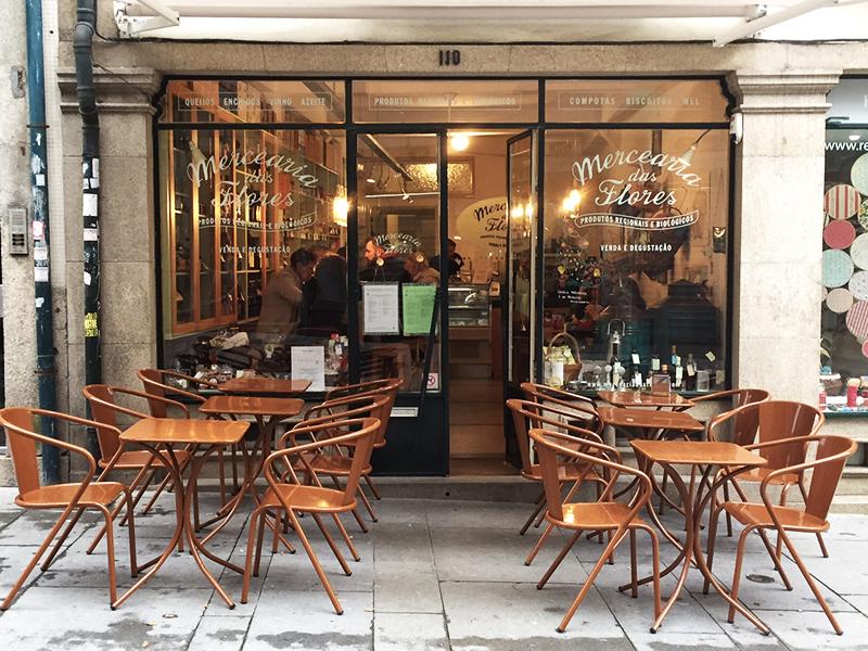 Love the cute cafes...