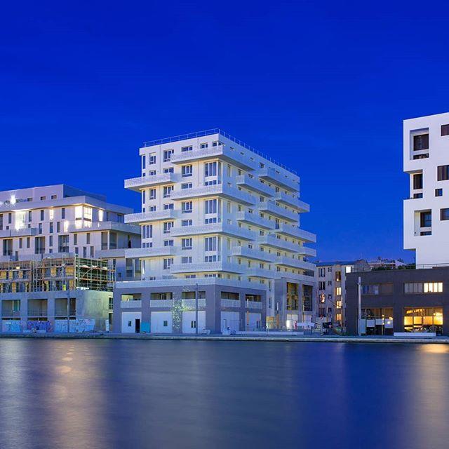 Grand Paris Pantin, France . . . . . . #architecture #architecture_hunter #architect #architecturephotography #architecturelovers #architectural #building #bluehour #longexposure #architecture_hunter #night #nightphotography #nightview #nightscape #city #cityscape #cityview #reflection #reflexion