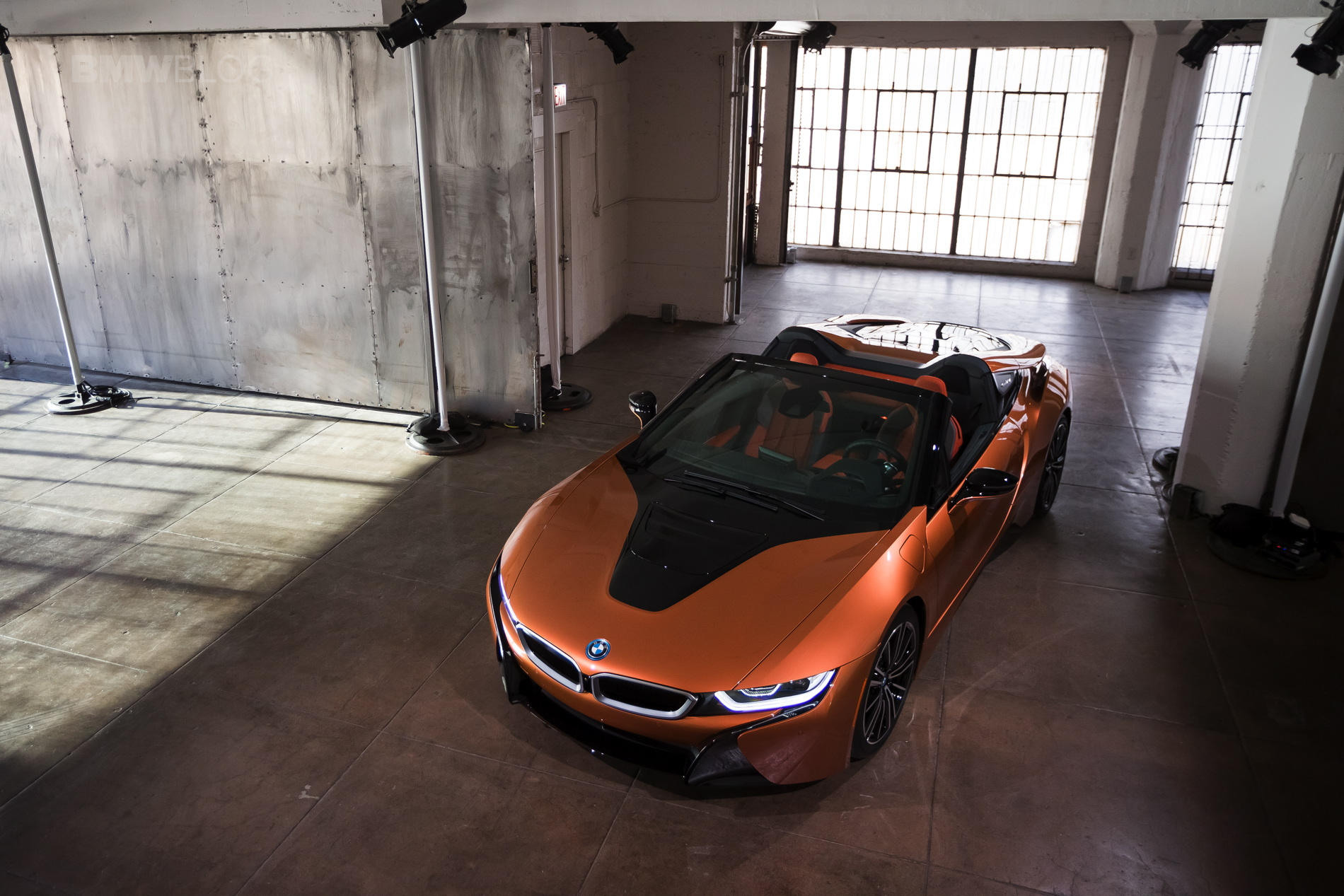2018-BMW-i8-Roadster-28.jpg