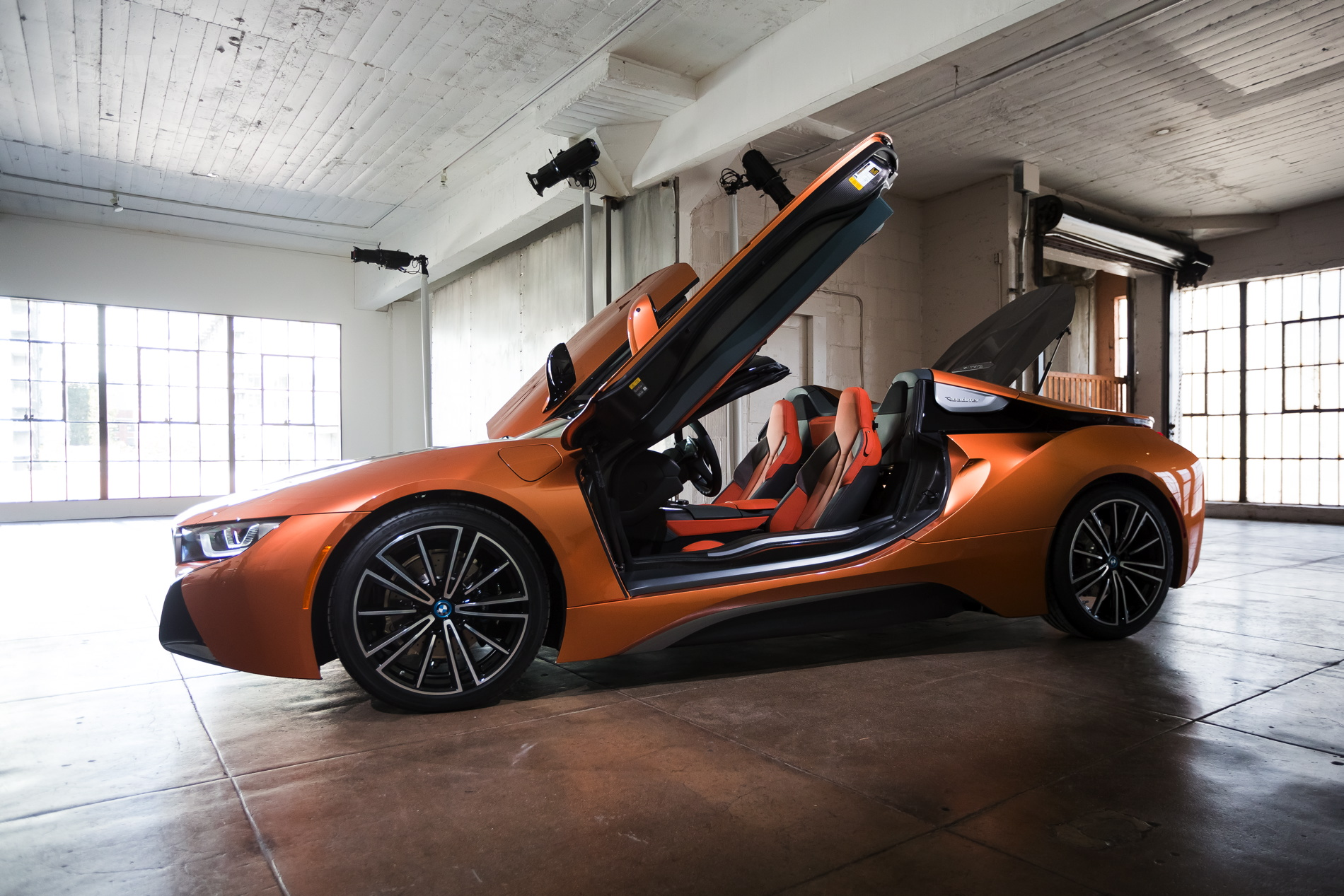 2018-BMW-i8-Roadster-29.jpg