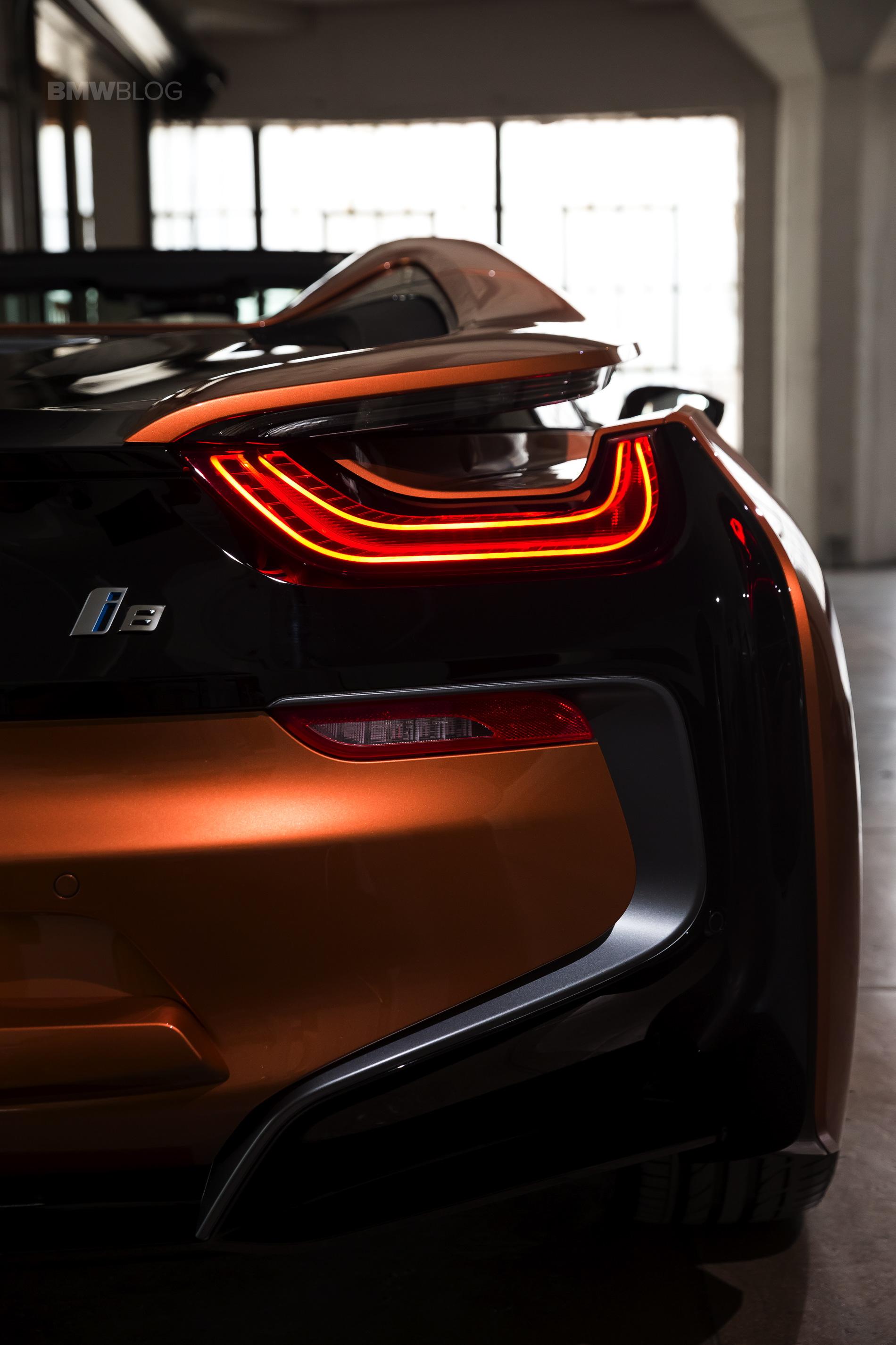 2018-BMW-i8-Roadster-23.jpg