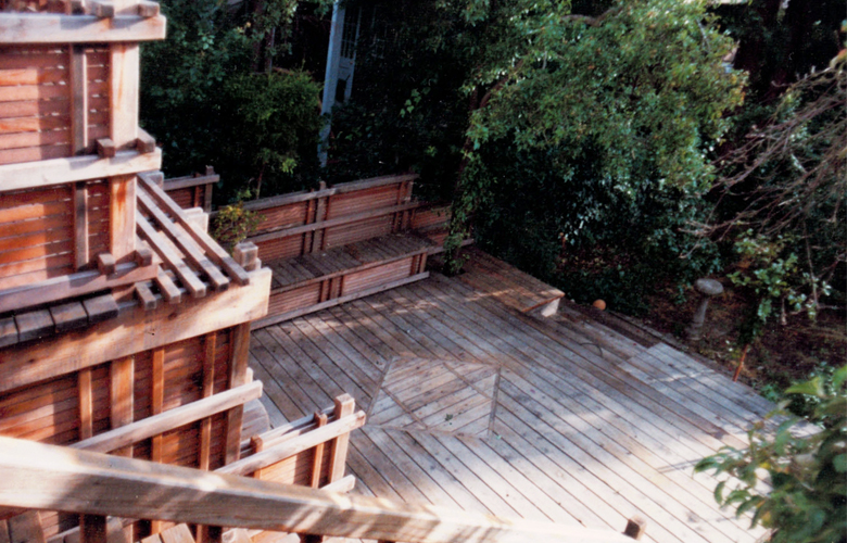 House 2_0000s_0003_Exterior down Stairs perspective.jpg