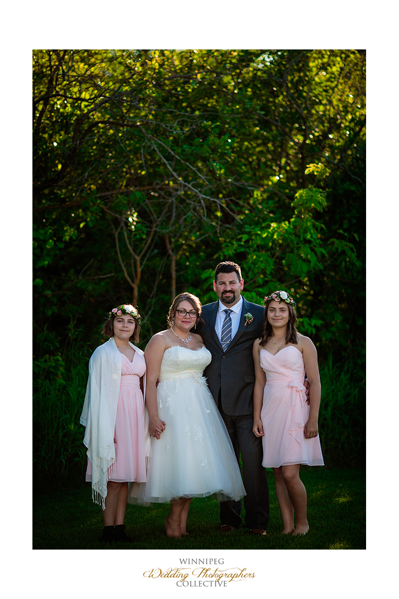 24 Family Photo OUtdoor Country Wedding.jpg