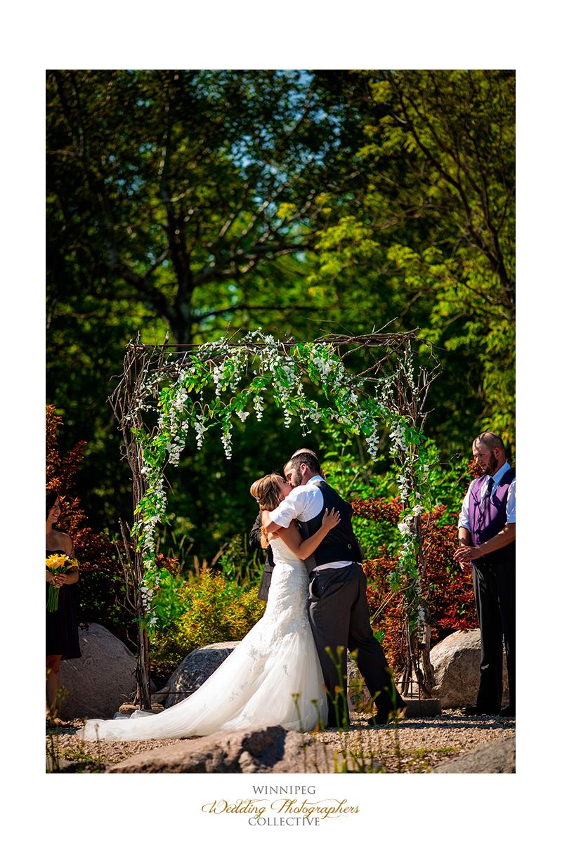 08_Country Hawthorn Estates Wedding Winnipeg Manitoba Canada.jpg