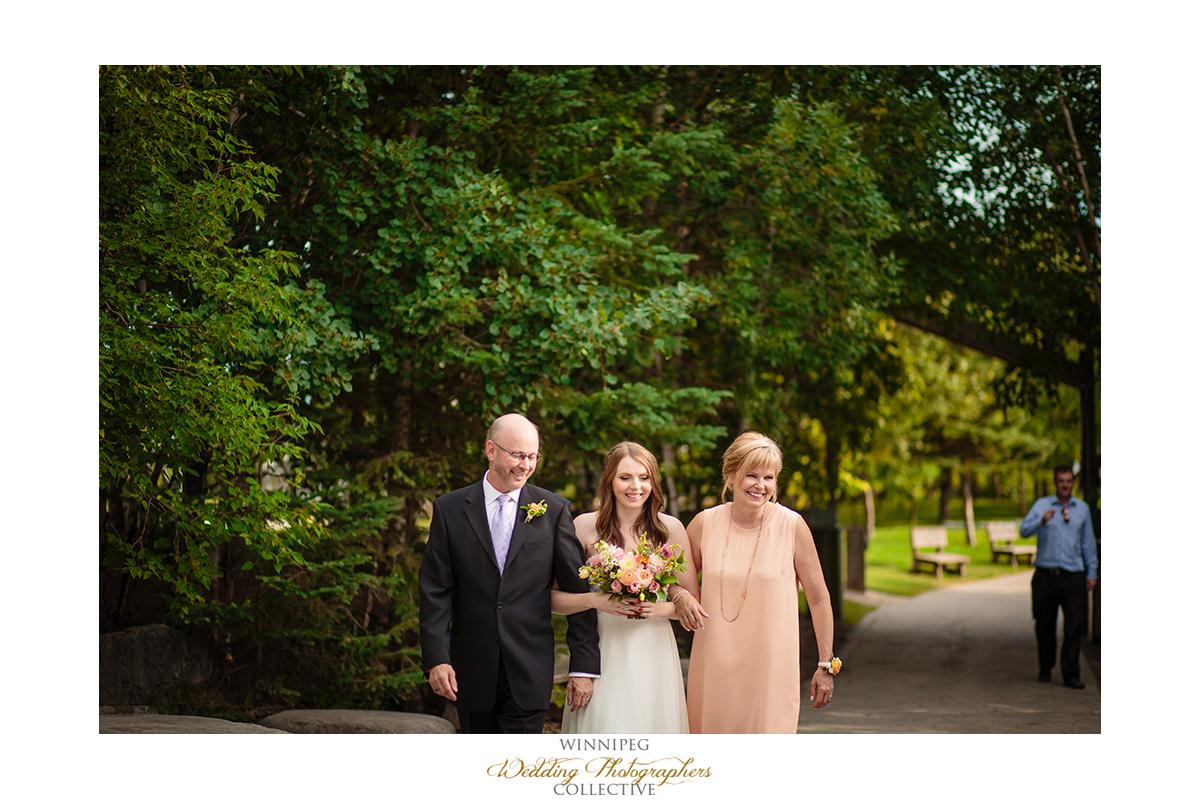 008_Fort Whyte Outdoor Summer Wedding Winnipeg Manitoba.jpg