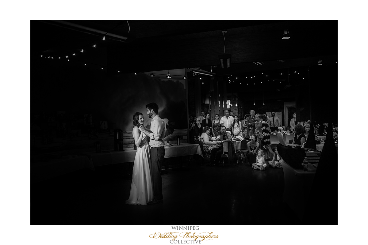 Manitoba wedding photographer Fort Whyte Alive