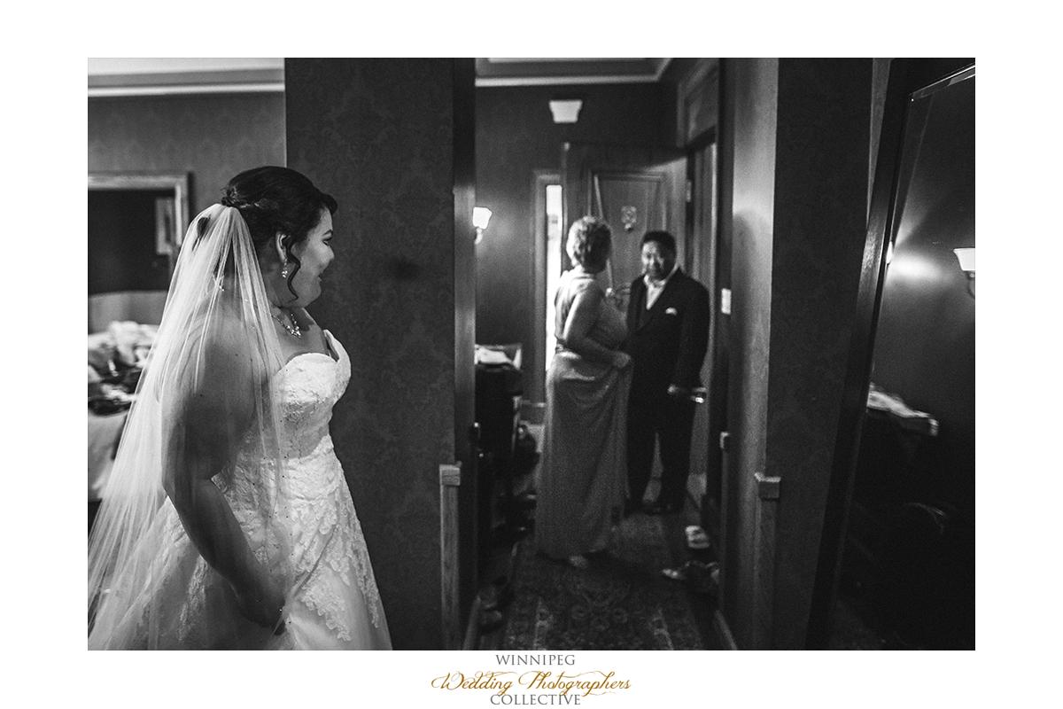 007_Fort Gibraltar Winnipeg Manitoba Wedding.jpg
