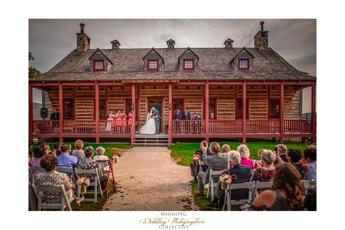 011_Fort Gibraltar Winnipeg Manitoba Wedding.jpg