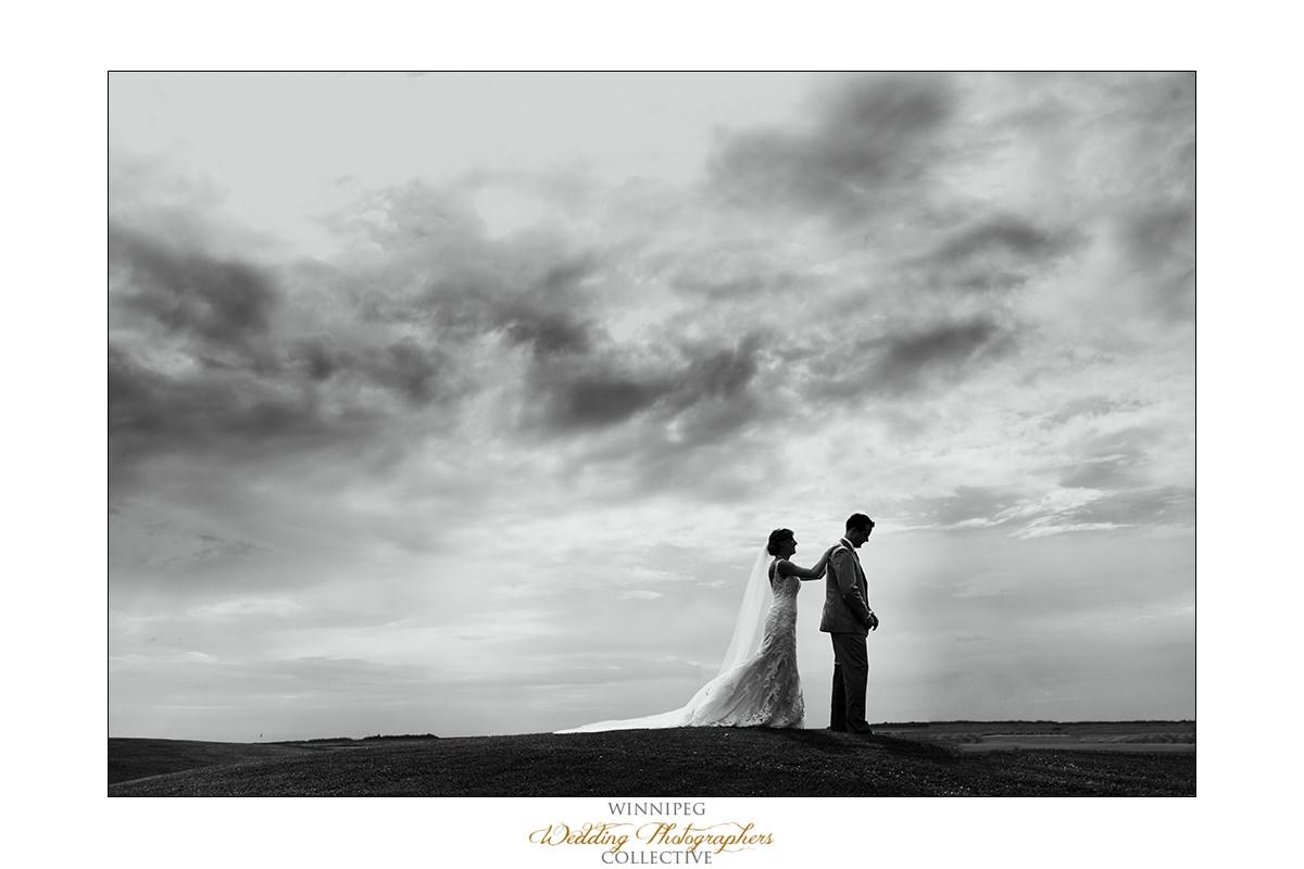Amanda&Matt_Wedding_Bridges_Reanne_07.jpg