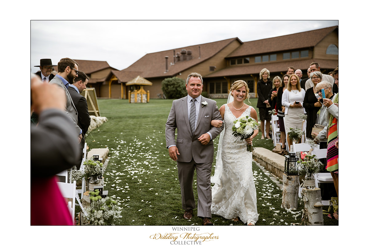 Amanda&Matt_Wedding_Bridges_Reanne_024.jpg