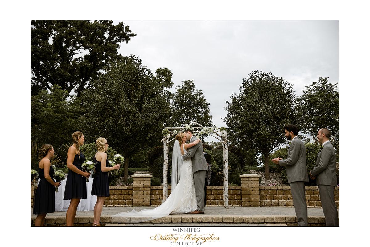 Amanda&Matt_Wedding_Bridges_Reanne_031.jpg