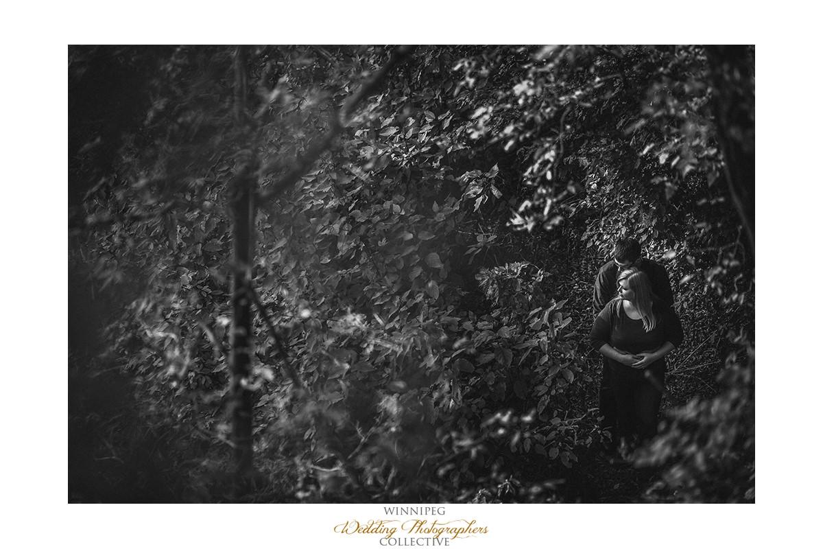 005_Lisa and Sean Autumn Fall Winnipeg Manitoba Park Engagement Shoot.jpg