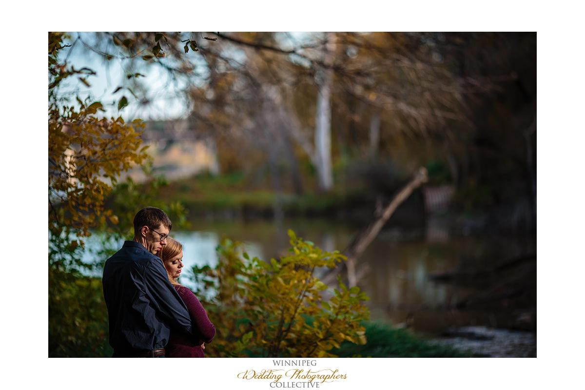 012_Lisa and Sean Autumn Fall Winnipeg Manitoba Park Engagement Shoot.jpg