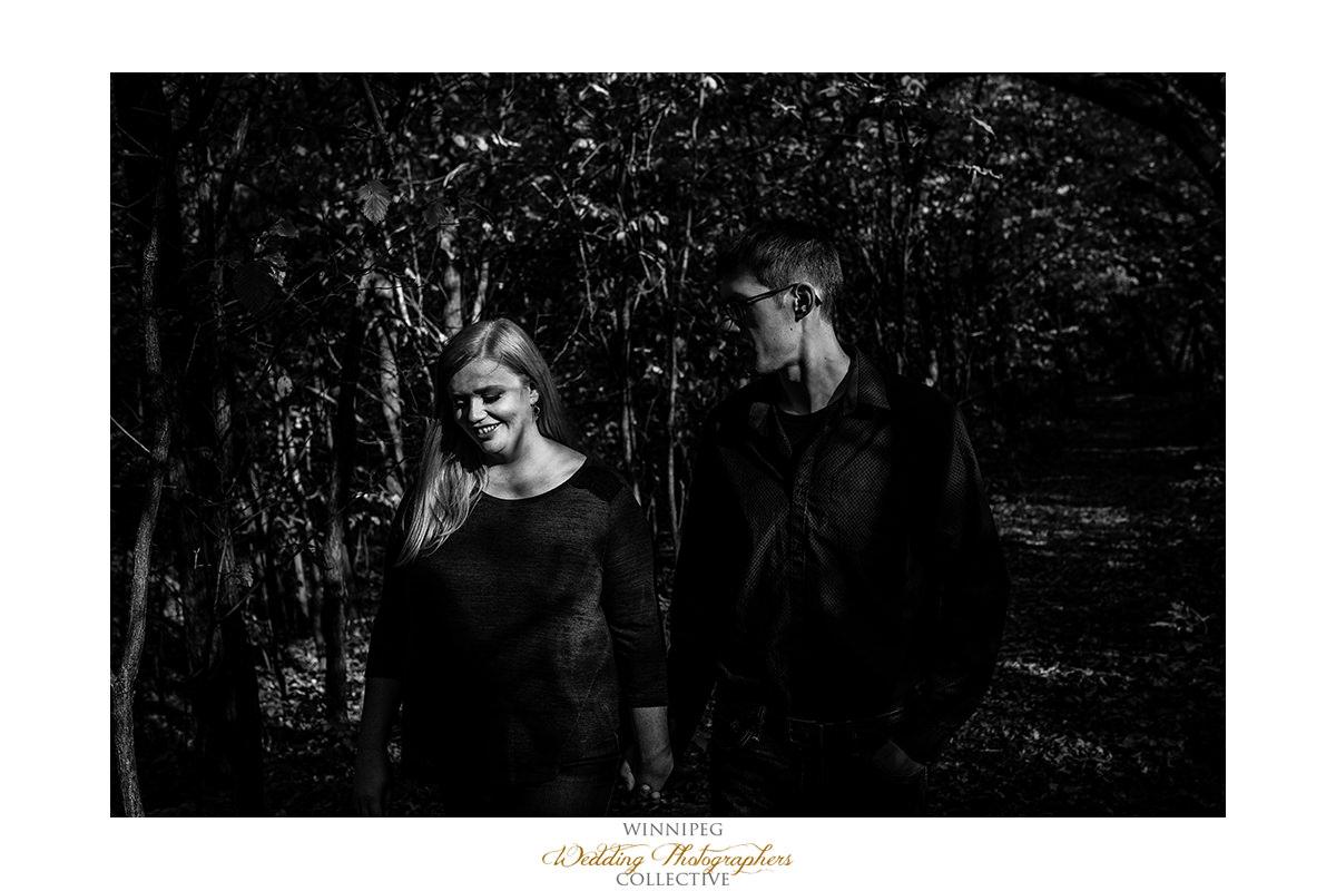 015_Lisa and Sean Autumn Fall Winnipeg Manitoba Park Engagement Shoot.jpg