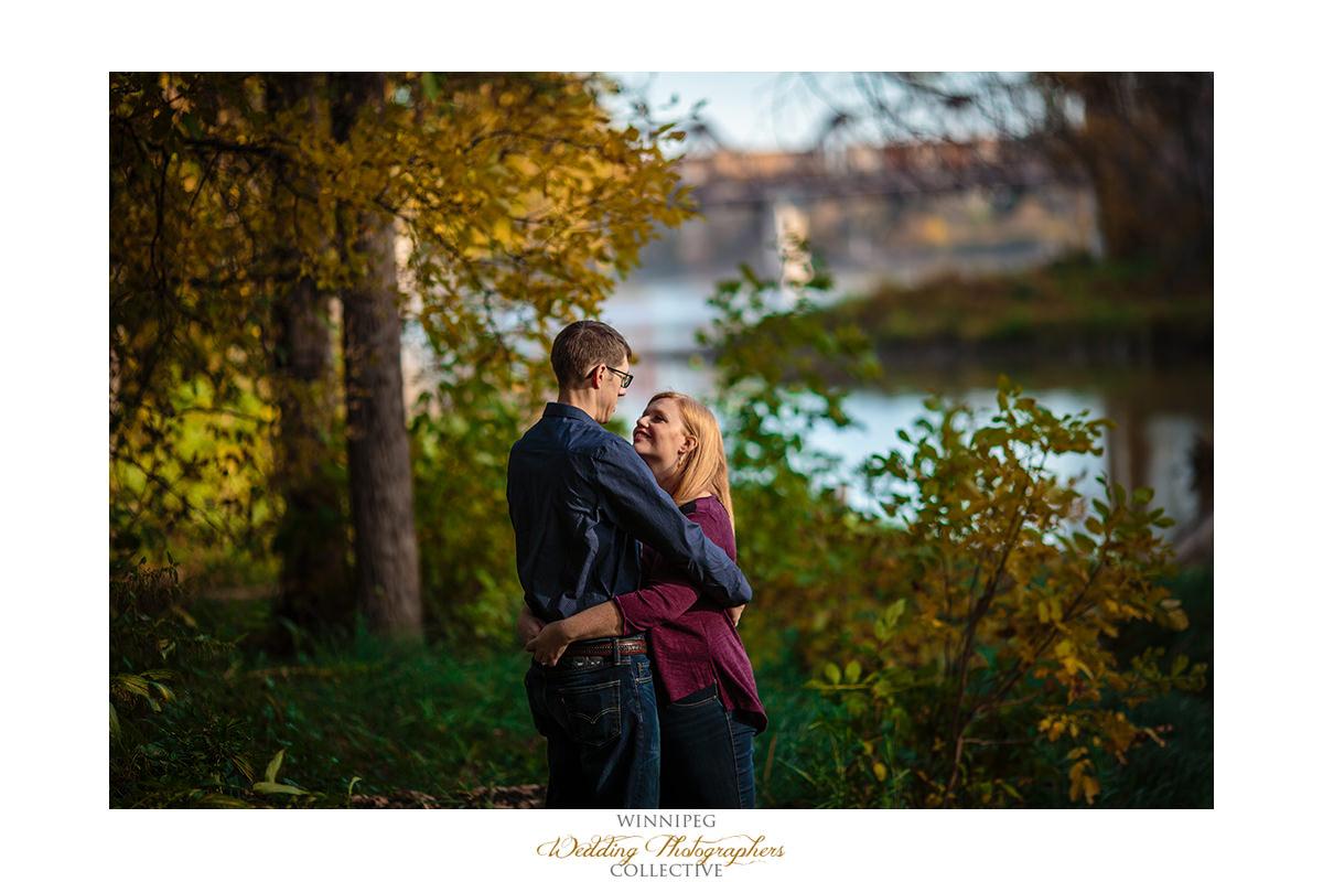 013_Lisa and Sean Autumn Fall Winnipeg Manitoba Park Engagement Shoot.jpg