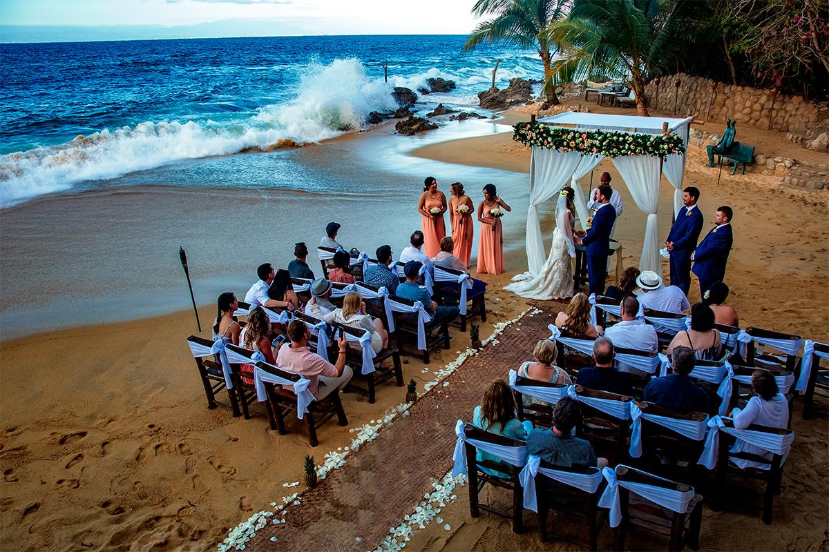 004_Mexico Beach Life Destination Wedding Puerto Vallarta Las Caletas.jpg
