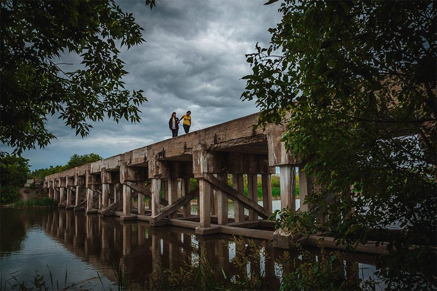 009_ShannonAndTracyEngaged-NetleyCreek-LoveWins-Manitoba-Canada-WinnipegWeddingPhotographersCollective-Tony.jpg