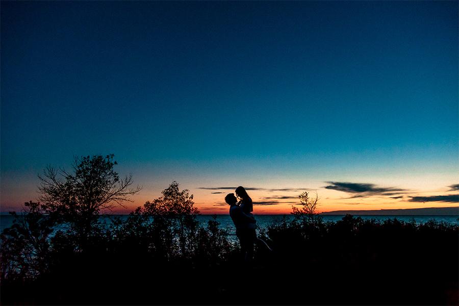 035-KirstinAndEdwardEngaged-LakeLife-WinnipegWeddingPhotographersCollective-Tony-Beach-GrandBeach-BalsamBay-Engaged-EngagementSession-ConnectionSession.jpg