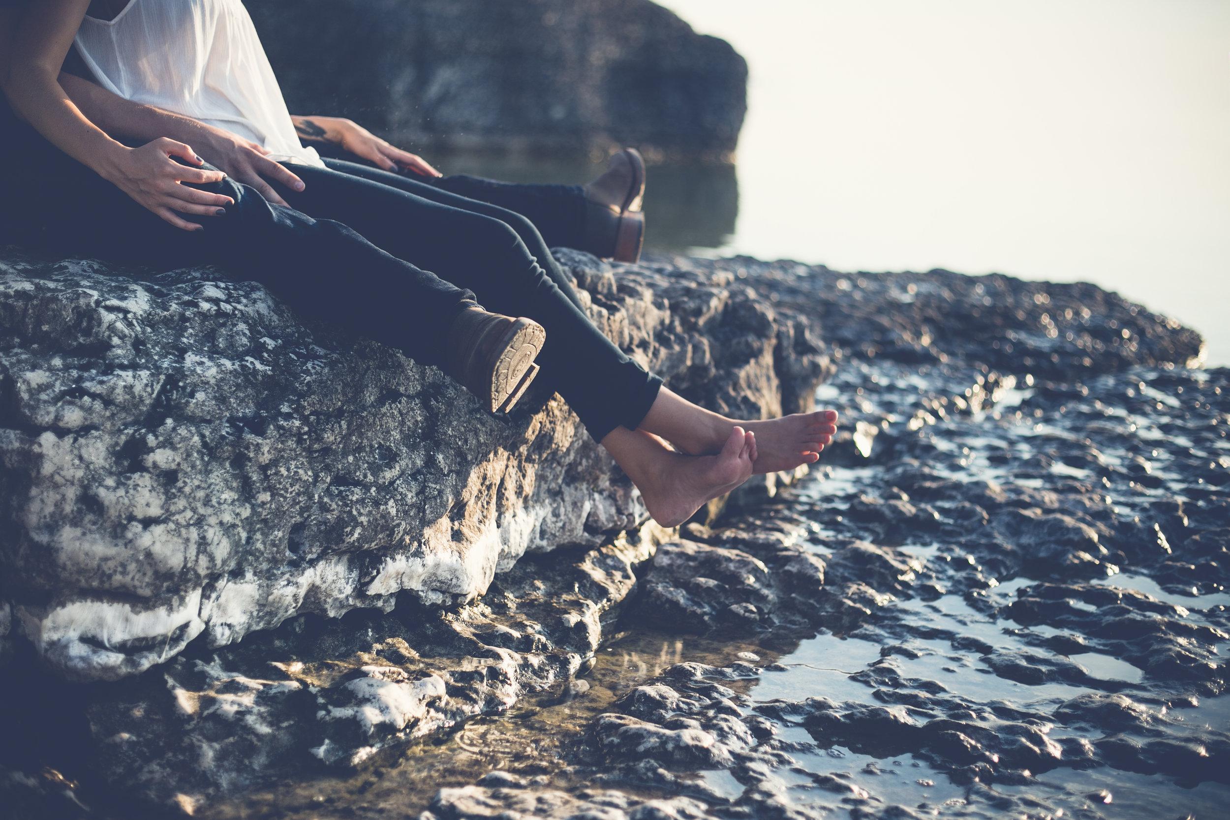 0010-steeprock-manitoba-engagement-photos.jpg