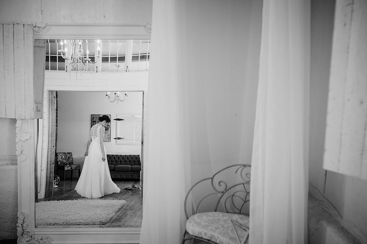 0003-steinbach-wedding-barn-sydney-alex.jpg