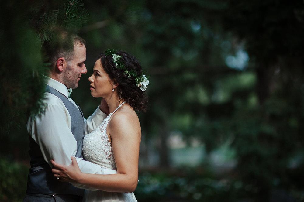 Sarah+Steve_Married_BackyardWedding(C)-14.jpg