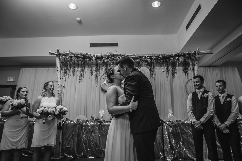 Ashley+Corey_Married_Gimli(C)-31.jpg