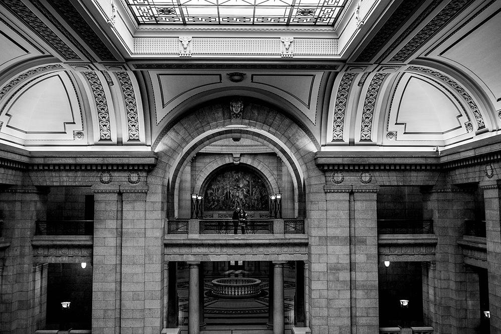 Engagement Photos at Winnipeg Legislative Buildings