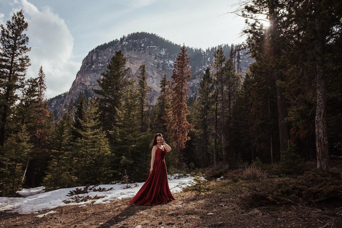 Ulyana+Taras_Engaged_Banff(C)-25.jpg