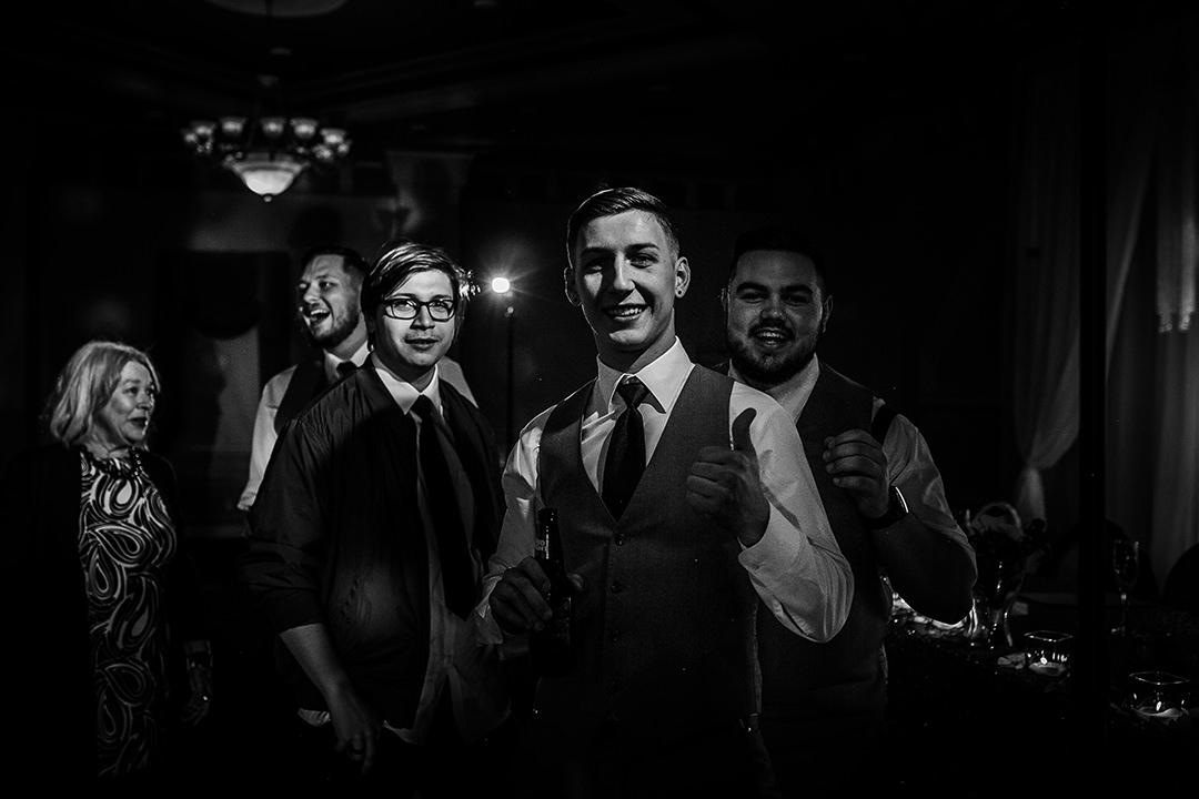 Tayer&Zach_Wedding_BestWesternPlus_2019-580.jpg
