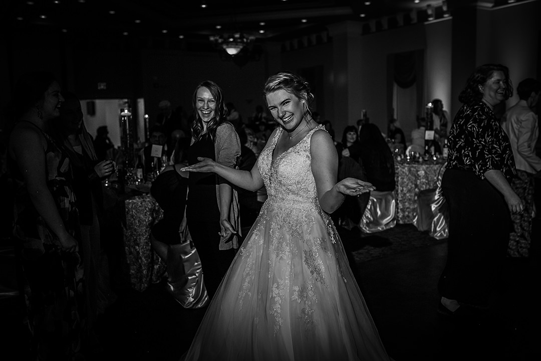 Tayer&Zach_Wedding_BestWesternPlus_2019-597.jpg
