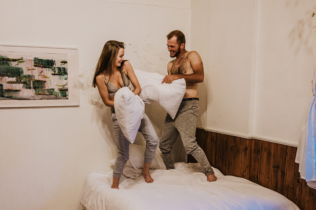 0009airbnb-engagement-photos-olivia-toby.jpg