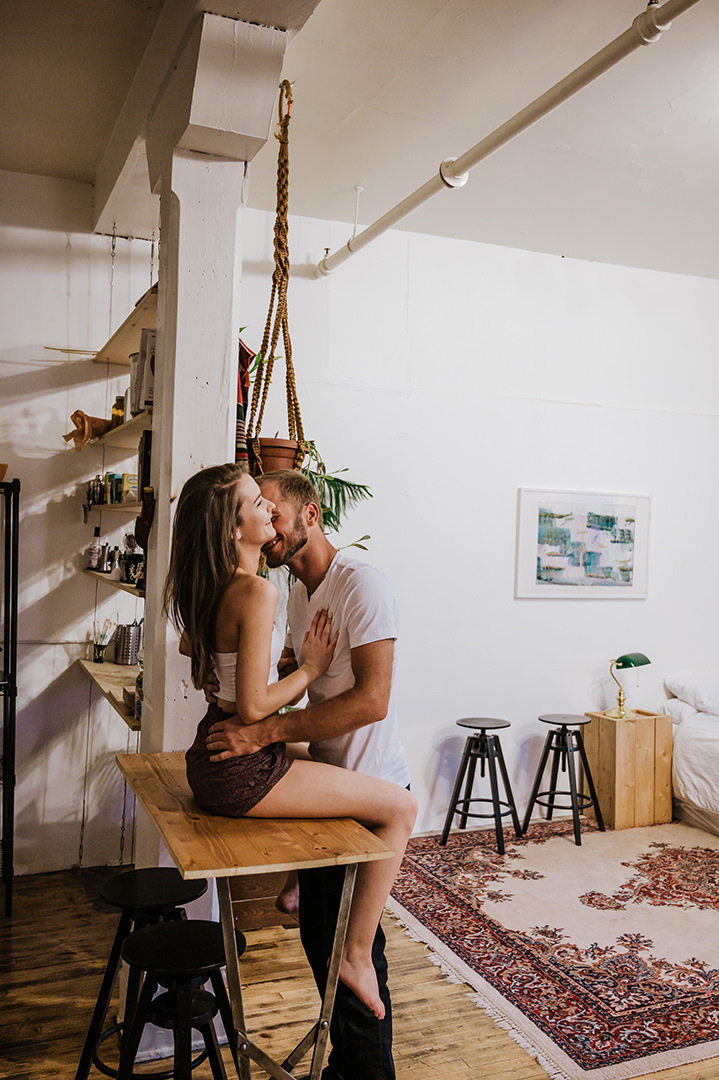 0005airbnb-engagement-photos-olivia-toby.jpg