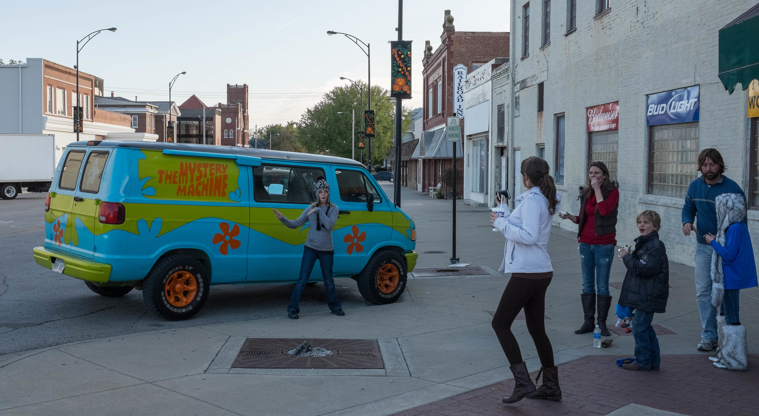 One thing I didn't think I would see in Independence was The Mystery Machine from Scooby Doo.  Apparently everyone else thought the same thing and had to get a picture of it as well.