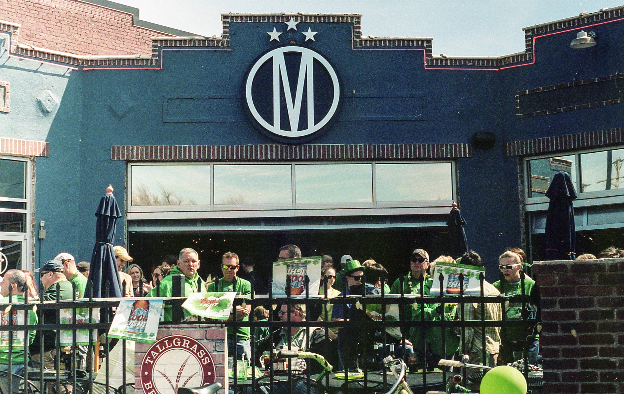 The Monarch was one of the places to be during the parade. I had a Guiness or two... heck or three while I was there.