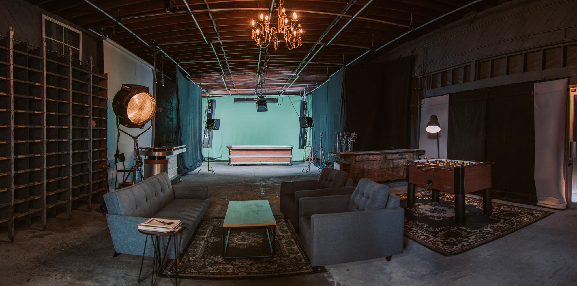 Main Studio - 2400 square feet (30ft x 80ft)14' ceilings, full-length lighting grid (13' to grid)