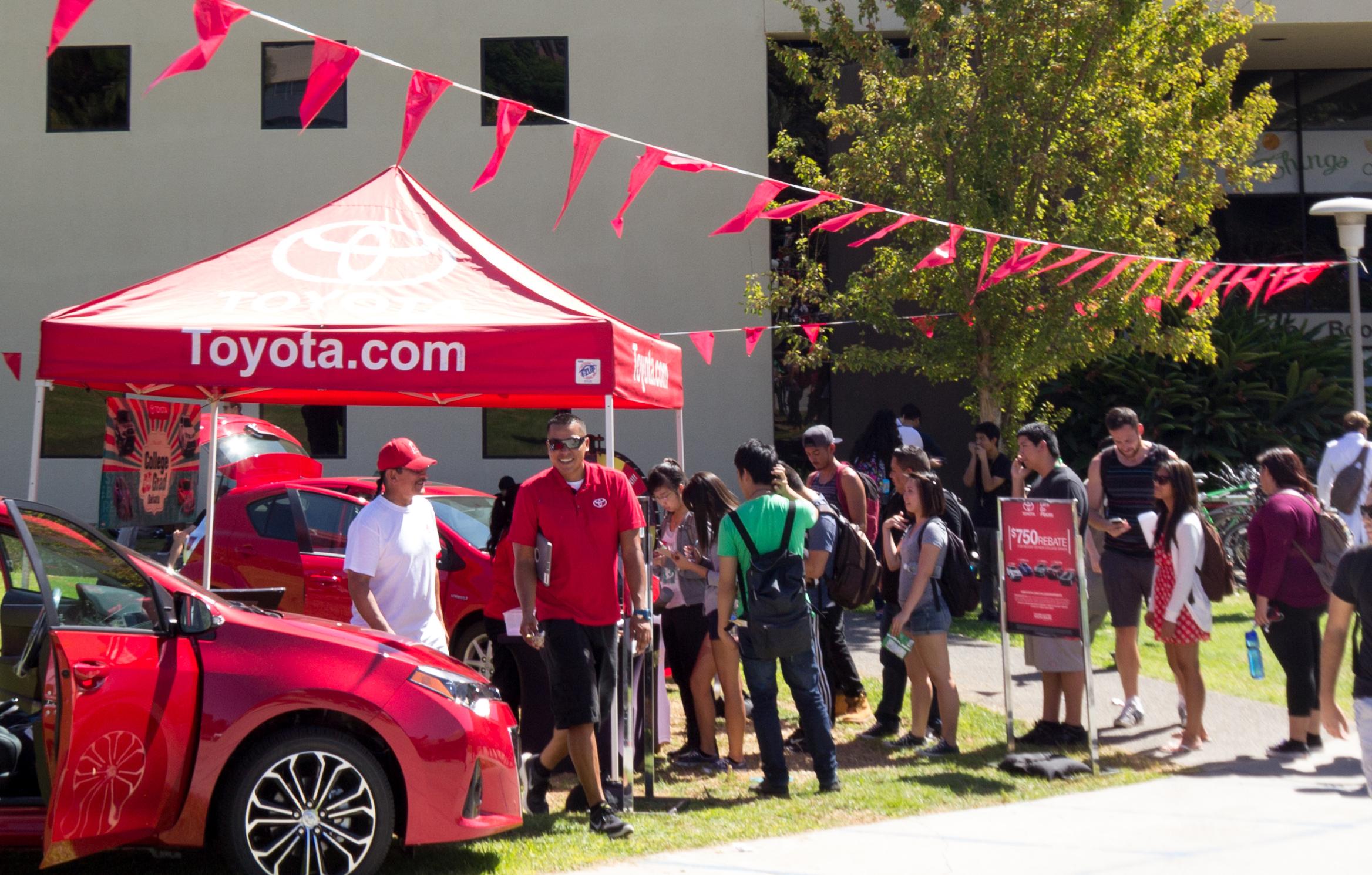 Toyota_HotDogCaper2014-1.jpg