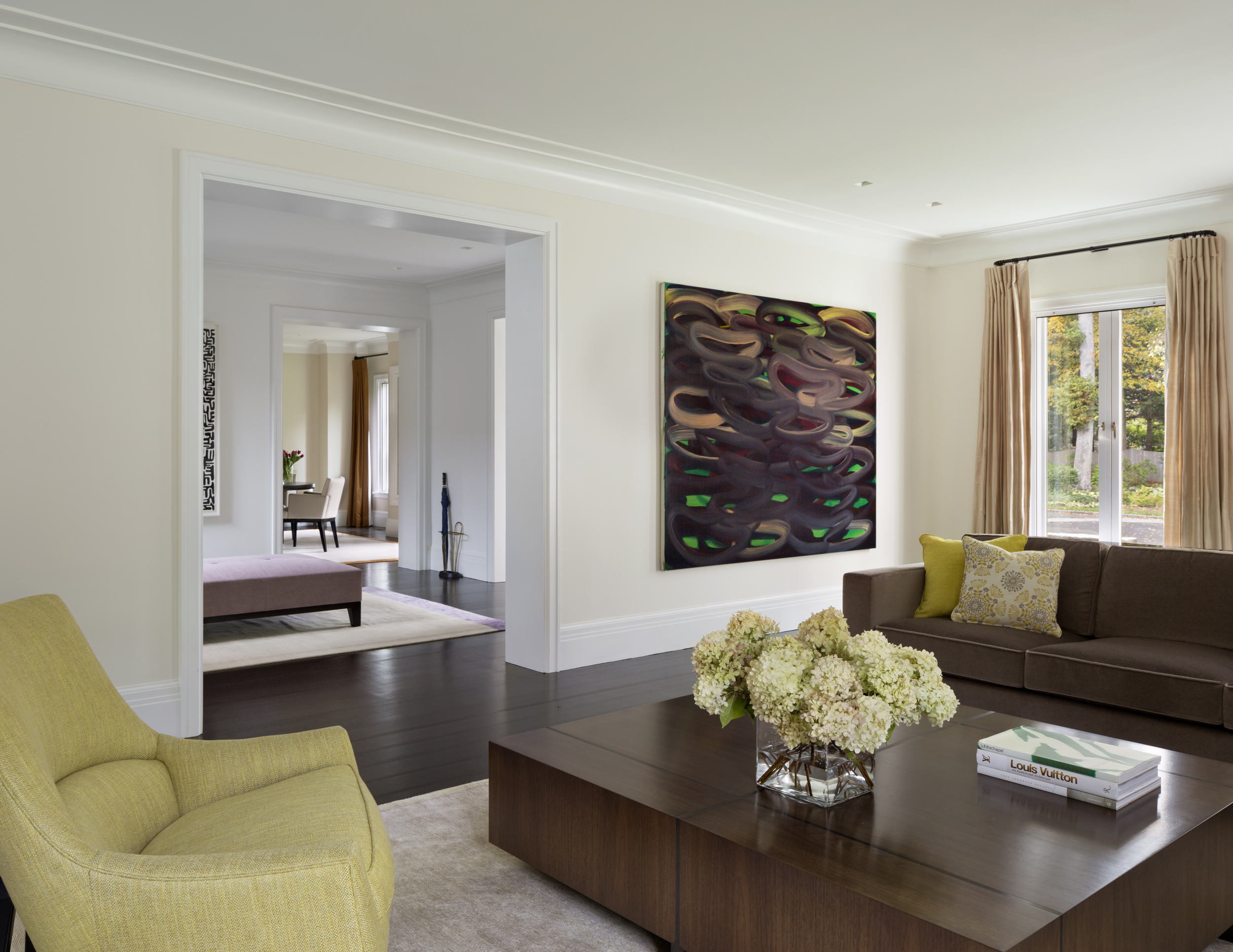 gorgeous new england living room with modern art