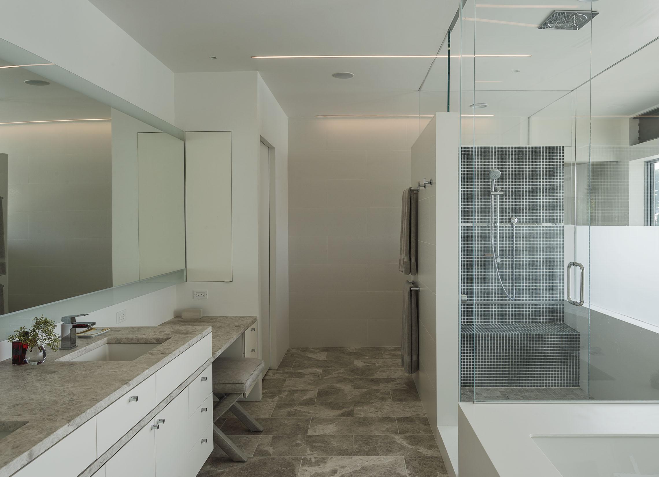 beautiful relaxing custom luxury bathroom on long island new york