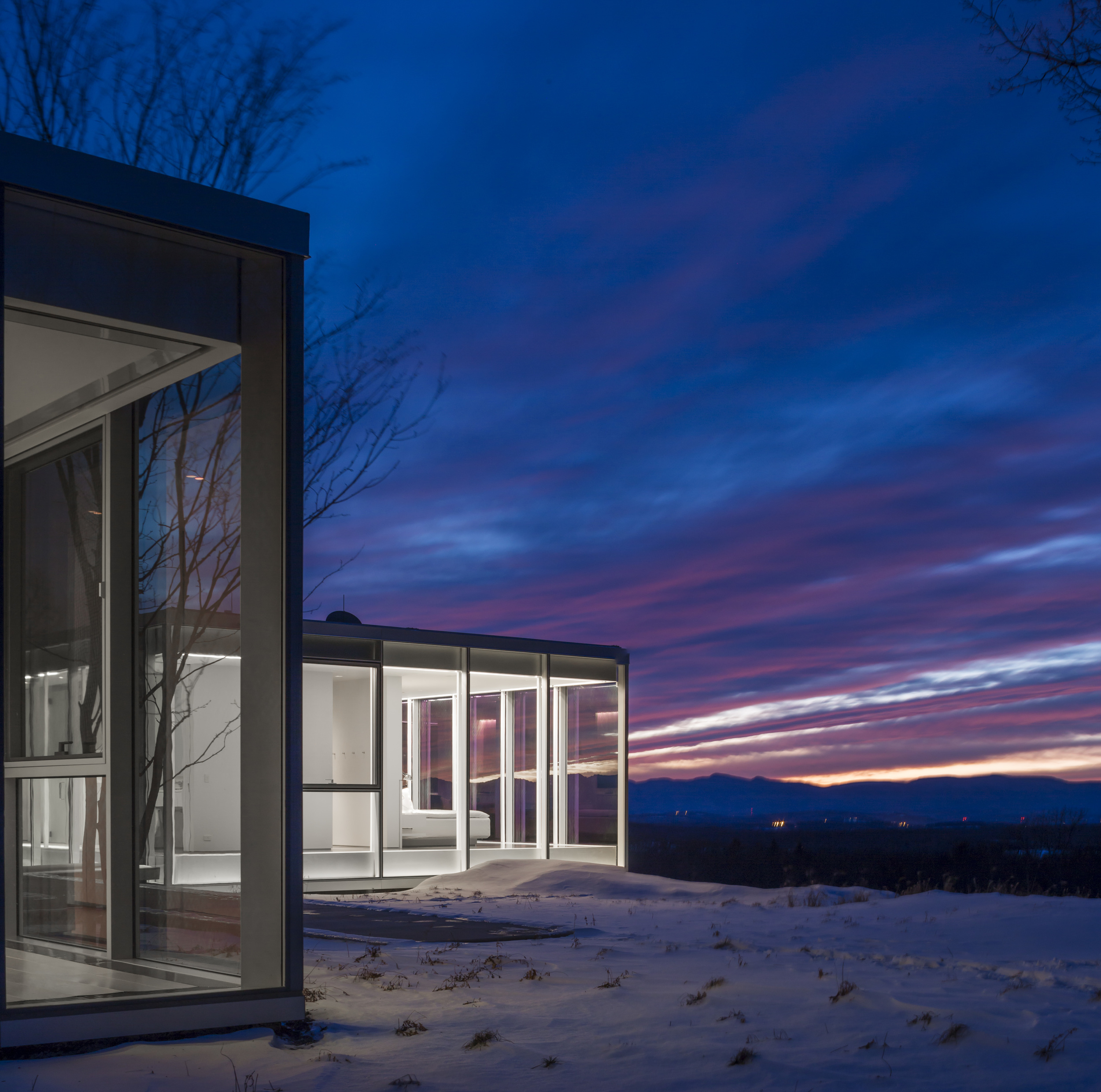 Winter wonderland modern house in new york