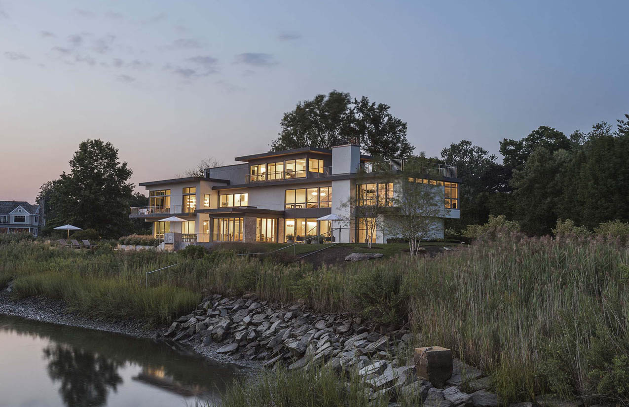 2016 CT Cottages & Gardens Innovation in Design Award, Builder Recognition - Project: Long Island WaterfrontArchitect: Sellars Lathrop Architects