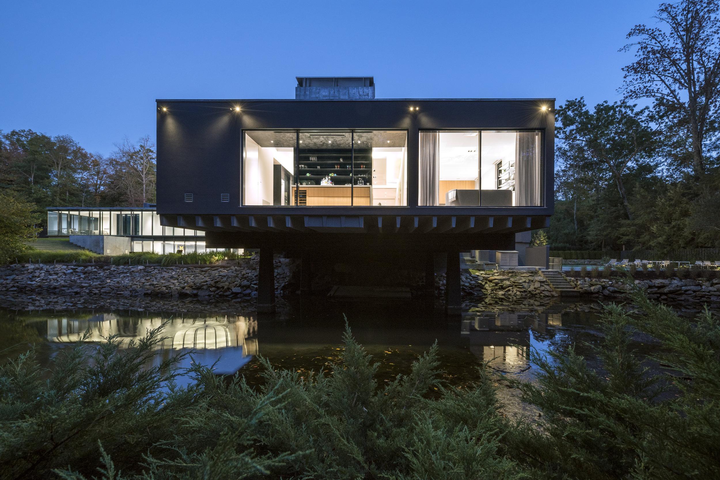 Gorgeous evening cantilever unique modern home