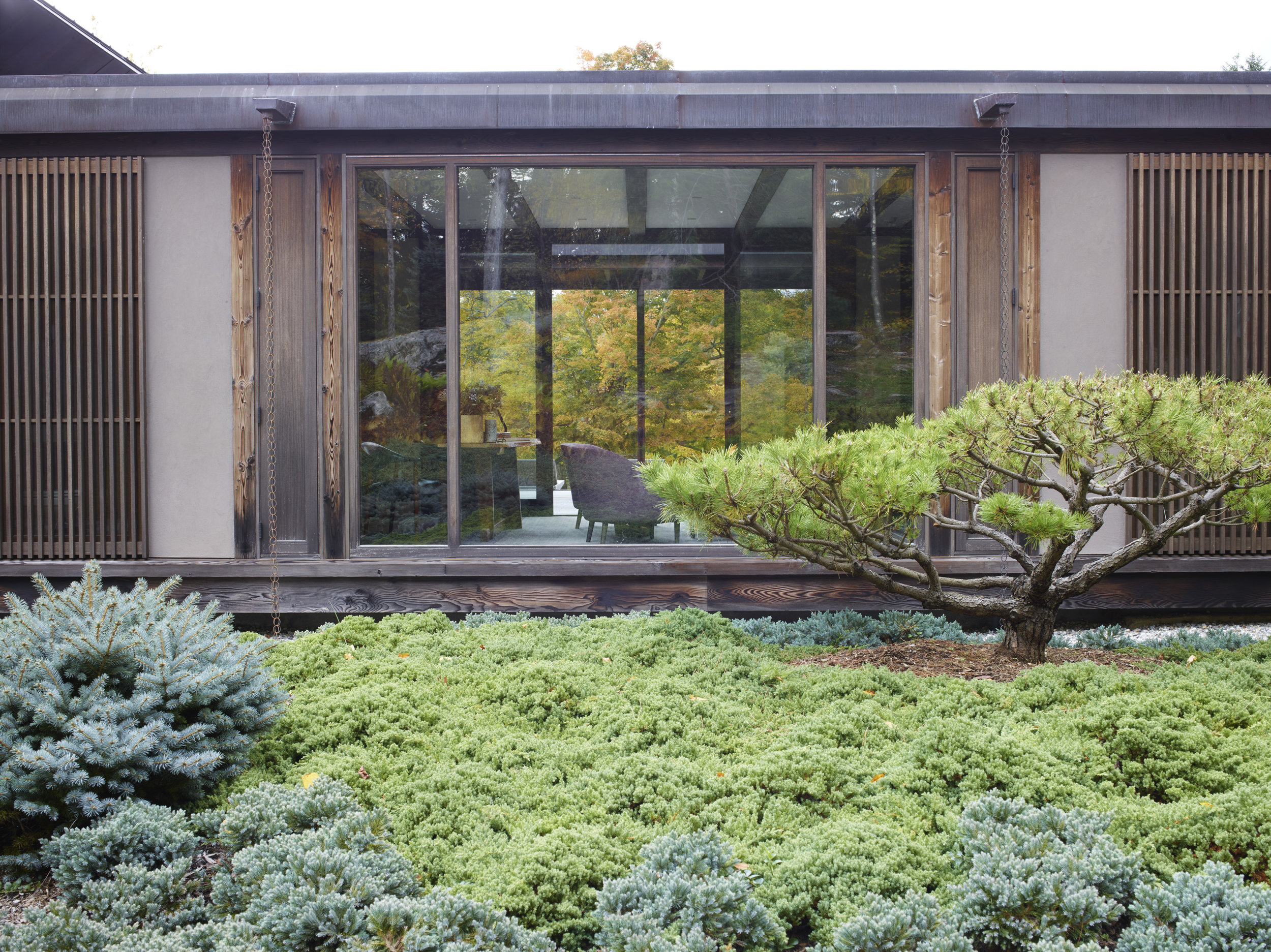 peaceful japanese inspired gardens