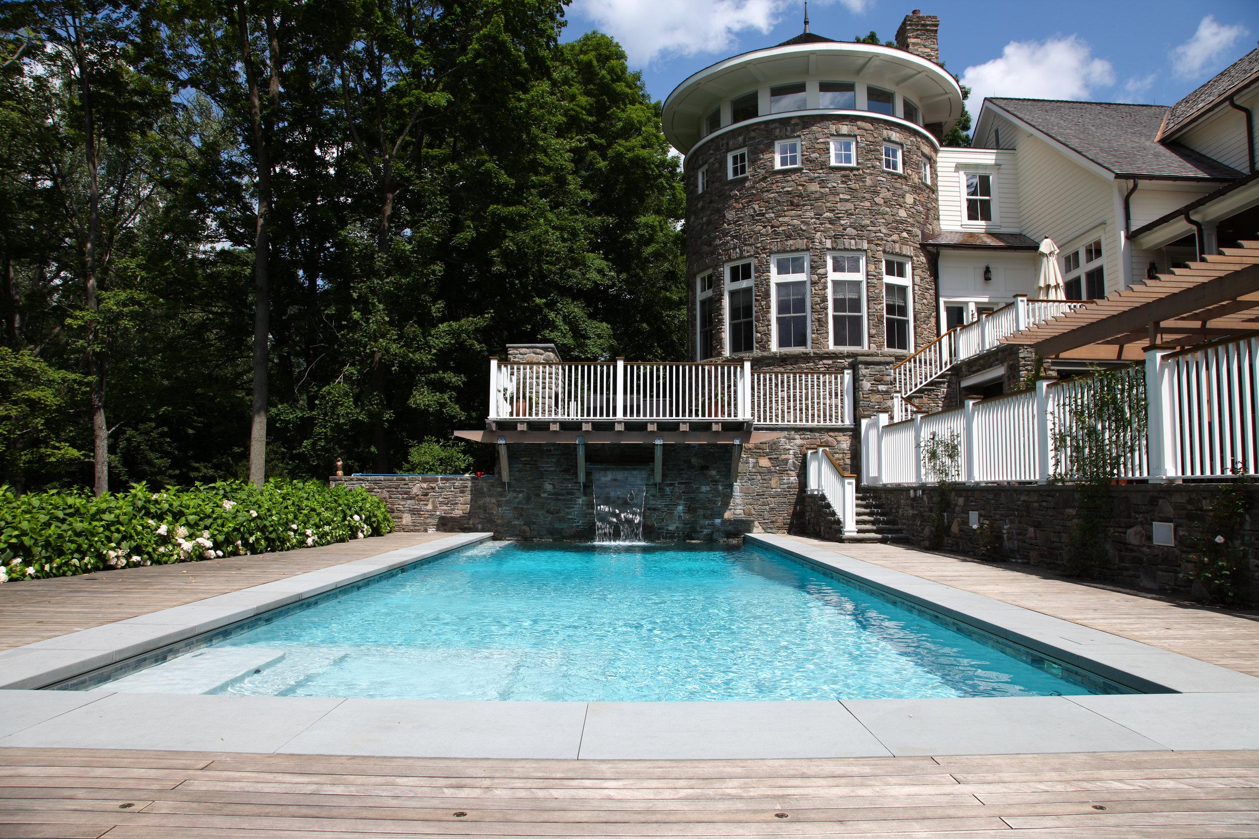 beautiful greenwich pool