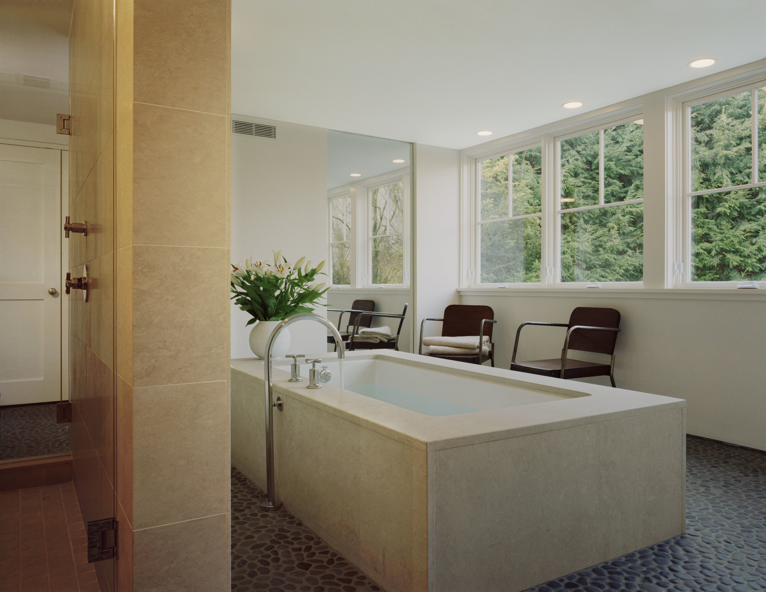 perfect relaxing bathtub spa