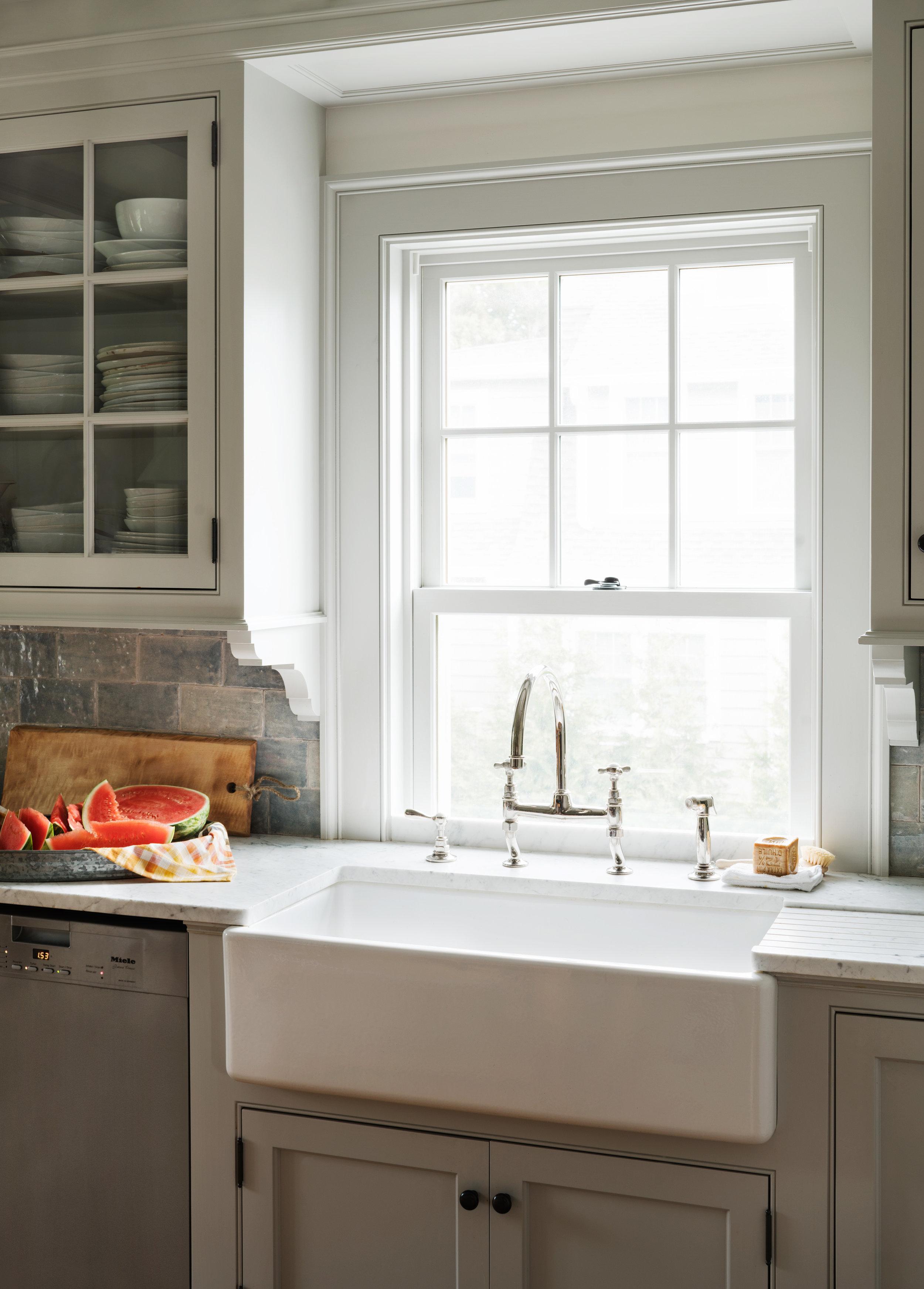 farm sink white kitchen