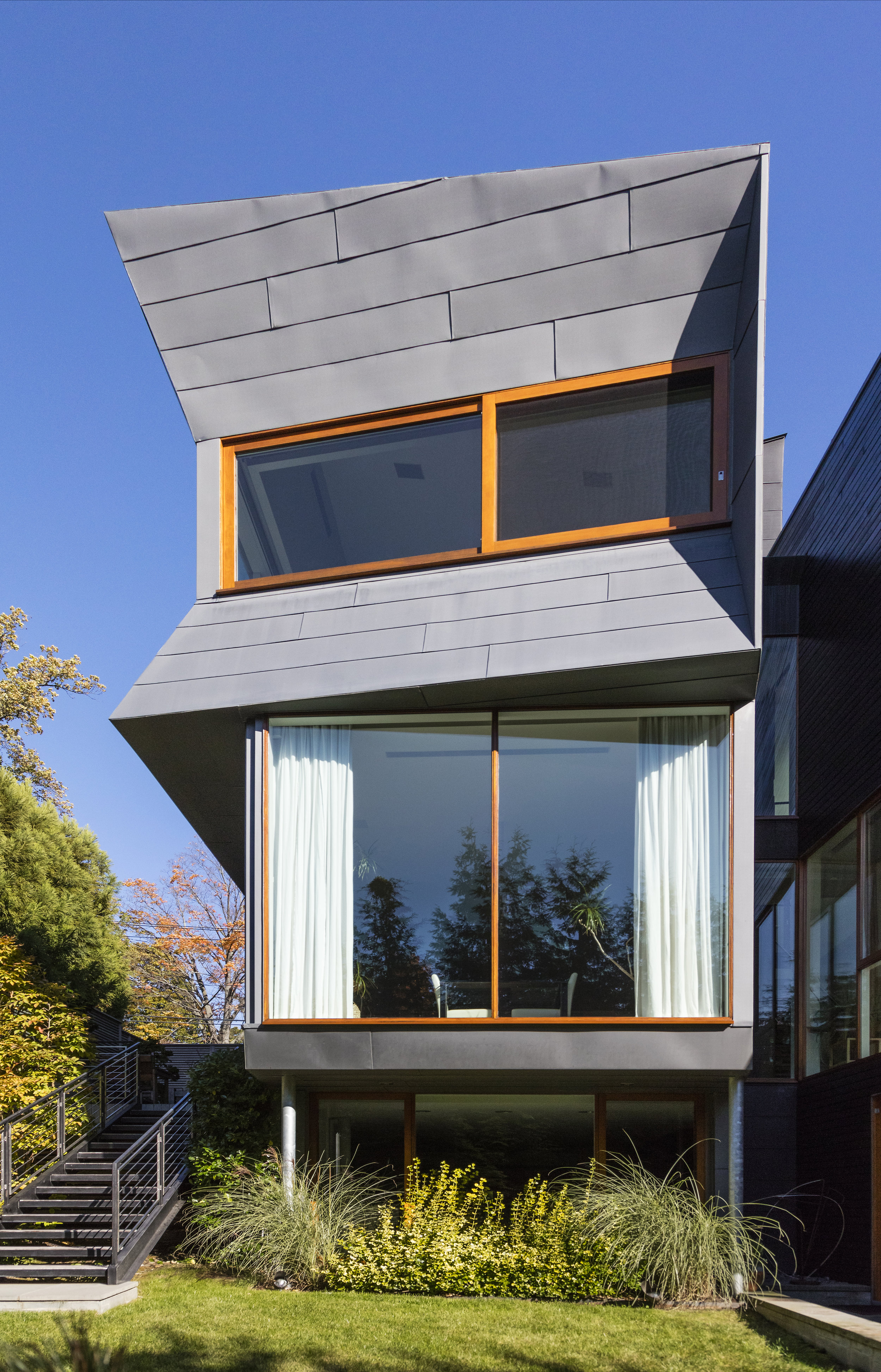 asymmetrical gorgeous innovative modern design