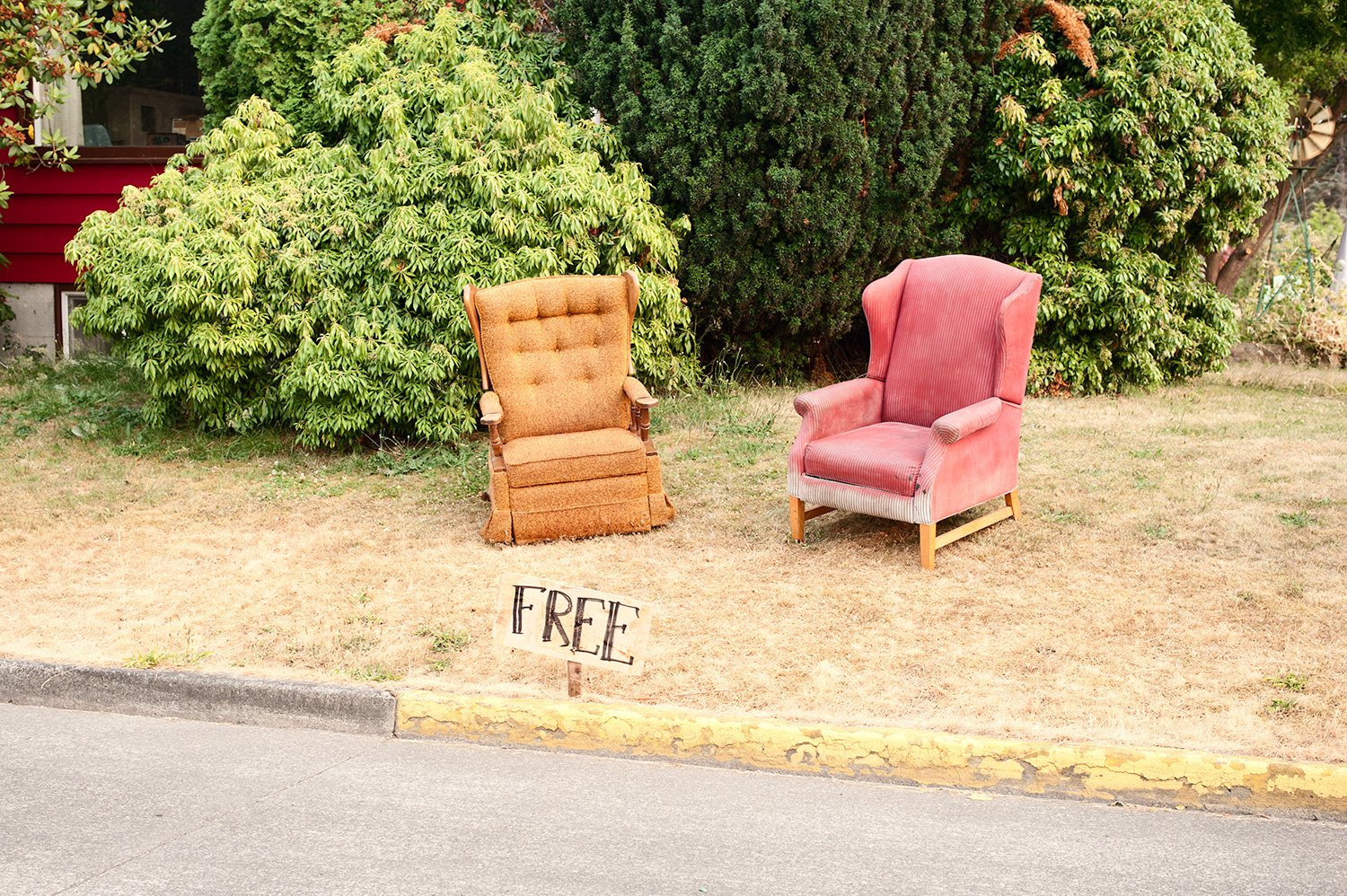 150706_if_you_need_a_chair_i_know_where_4884.jpg