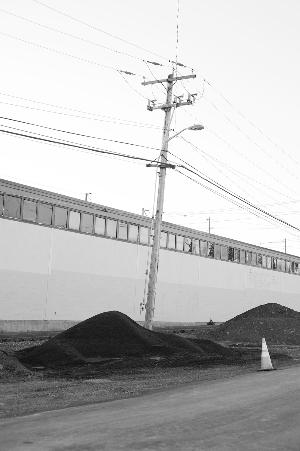 160603_piles_and_wires_8110.jpg