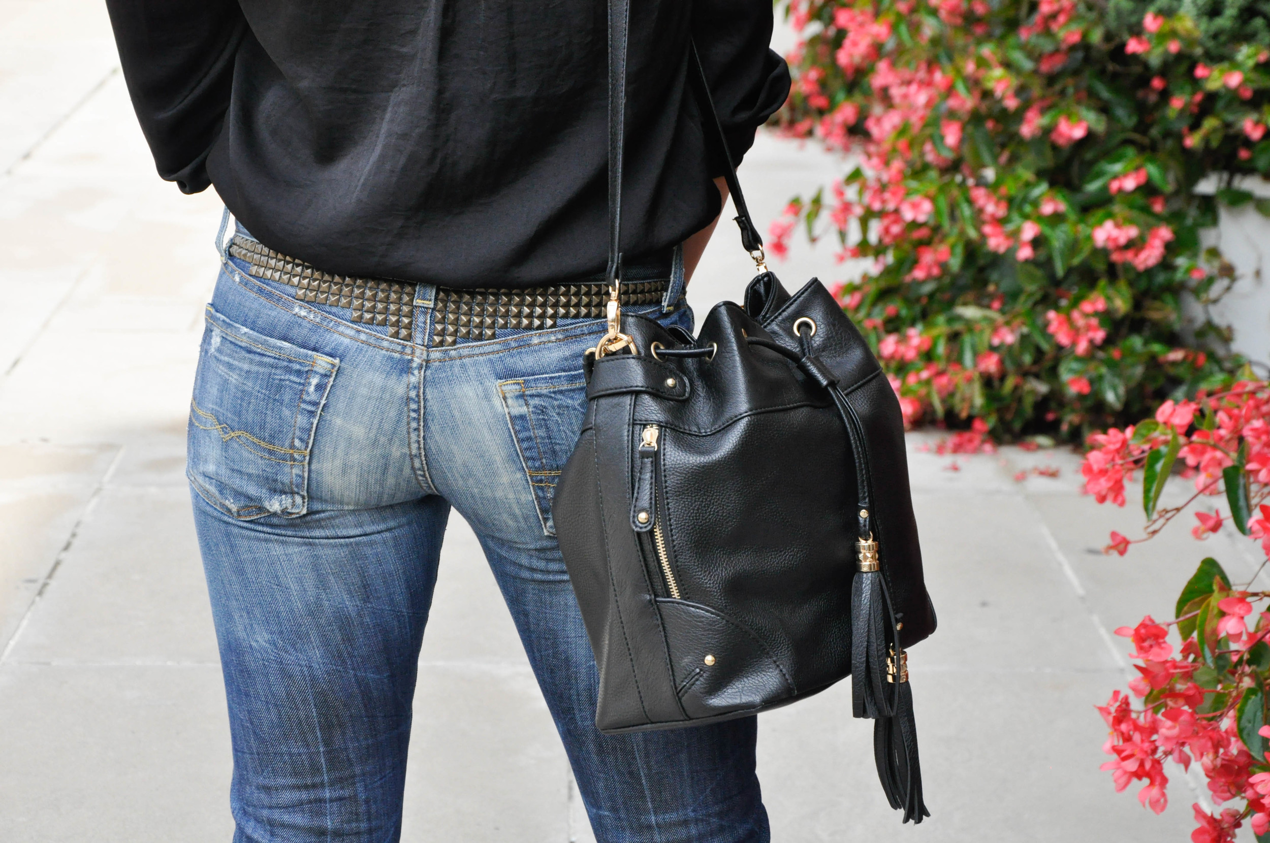 This is without a doubt my favorite part of this look! The pyramid studs on these Lucky Brands give these pair of jeans the upper hand among other jeans. They add an edginess that is praised and well-noticed on a night out with your friends. Also, they're is no need for a belt when you have an awesome detail like this to show off!
